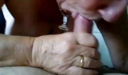 Travestiti-travestito dalla pelle scura prende video hard hd bene il suo enorme cazzo nero