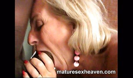 Busty babe filme pentru adulti on line si toglie la biancheria intima e si masturba